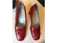Metallic red leather shoes size 6
