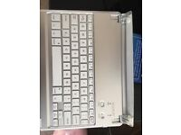 Bluetooth keyboard for iPad good condition