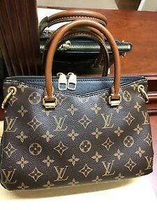 Louis Vuitton Pallas BB in Noir