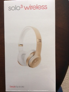 BEATS solo3 Special Edition Gold HEADPHONES