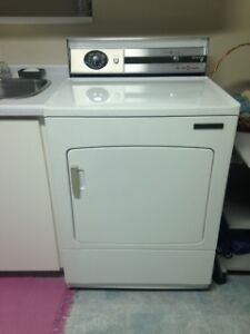 Dryer to sale and 2 washers free as soon as possible