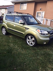 Low Mileage Very Clean & Maintained 2010 Kia Soul 4U Hatchback