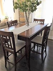 Extendable pub height dining set for sale. Priced to go!
