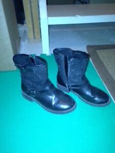 Girls black booties size 1 - Liv and Maddie collection