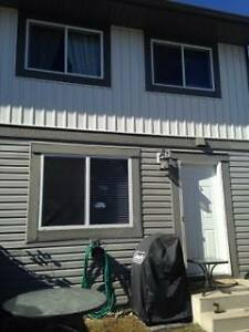 Townhouse for rent in Woodbine (SW) Calgary