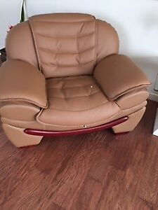 CARMEL COLOUR COUCH & SIDE CHAIR & 3 PCE COFFEE/END TABLE