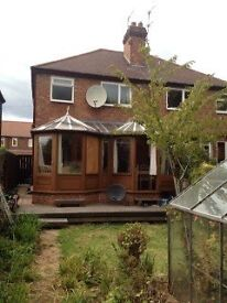 Urgent 3 bed house to let for students until July