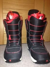 PERFECT CONDITION BURTON SNOWBOARD IMPRINT 1 RED AND BLACK SIZE 10 BOOTS