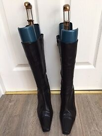 Ladies black leather boots. Nearly new. Excellent condition