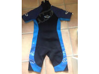 *PACKAGE* 2 BN SHORTY WET SUITS+2 BN BUOYANCY JACKETS SIZES XLARGE+38/40 ***REDUCED TO £120***