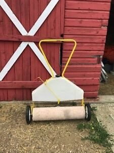 Chemical lawn roller