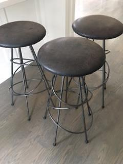Set of 3 high quality leather bar or kitchen stools