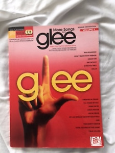 Glee Piano/Voice book