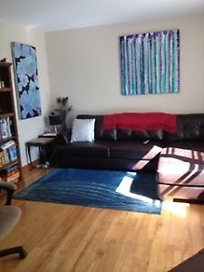 SEPT 1 - COZY 1 BDRM APT IN WEST END WITH PRIVATE DECK & YARD