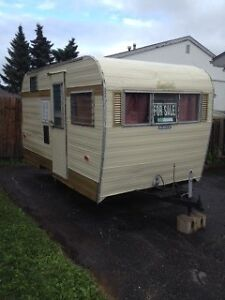 MUST SELL !!!!Older 16ft camper trailer
