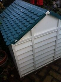 DOG KENNEL (COLLECT) HULL (CREAM & GREEN) USED ITEM