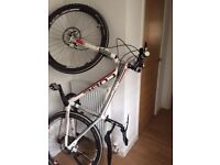 "Cube mountain bike 24 gears 20"" from centre of pedal to seat post entry"