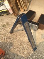 1 Pair Portable Saw Horses & workbench vice