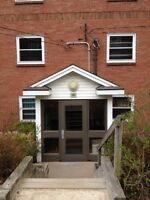 2 BEDROOM OFF PLEASANT STREET!! CLOSE TO MANY AMENITIES!