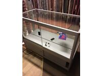 Glass counter cabinet for jewellery