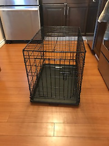 Medium sized wire kennel for 40Lb dogs (19 x 30x21)