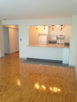 Must See Hampstead Large Condo inc Heat/AC Park Avail renovated.