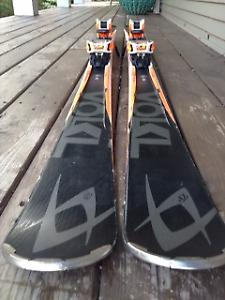 Volkl RTM 81 Skiis