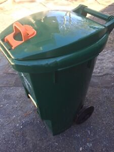 NEW Green Compost/ recycling bin, on wheels