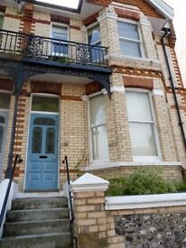 Double room to rent Brighton, available to move in July 2017. PRIVATE NO AGENCY FEES. STUDENTS ONLY