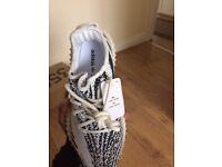 Yeezy boost 350 v2 zebras