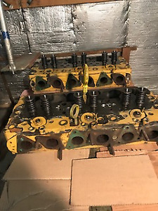 CYLINDER HEADS FOR CAT D8H46A