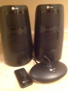 inStudio Fiji 900Mhz Wireless Indoor/Outdoor Speakers
