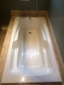 Maxx Soaker Bathtub