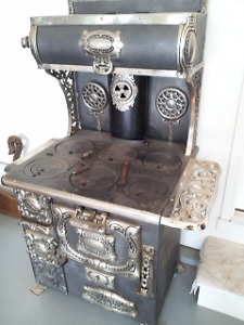 Beautiful antique Cribben and Sexton cook stove