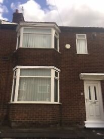 *EXCELLENT CONDITION* ACKLAM 3 Bed Mid-Terrace House to Rent