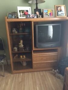 Entertainment unit with working TV