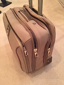 London Fog brief case on wheels