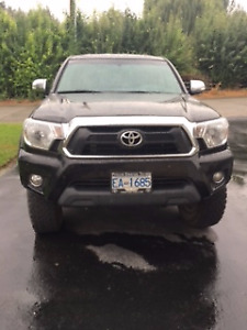 2015 Toyota Tacoma Limited Pickup Truck