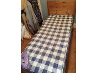 Childrens short pine bed