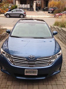 2009 Toyota Venza AWD Winter Car incl. 4 Snow Tires on Rims
