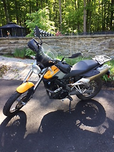 Superbe Moto BMW GX650-Country