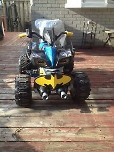 Power wheels Batman ATV 12v battery two speeds