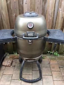 Broil King Keg Kamodo style charcoal grill
