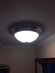 Ceiling light with bulb