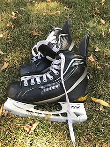 Youth Bauer Supreme One60 skate size 5