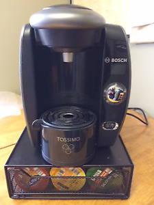 BOSCH COFFEE/TEA MACHINE **WITH CUPS**