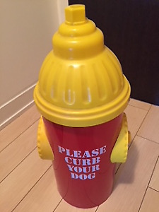 Kitschy garbage container