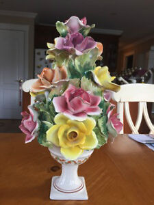 Ceramic floral centerpiece and wall hangings West Island Greater Montréal image 3