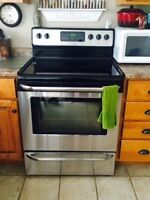 Frigidaire Gallery stainless steel (fridge/stove/microwave