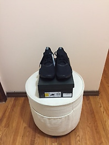 Adidas NMD R1 Triple Black Japan Pack Size 10 DS